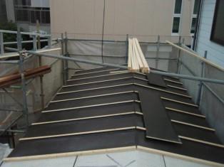 こちらの屋根は、加工方法が違います。